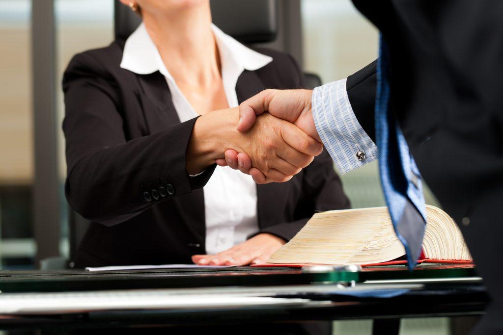 La Mejor Firma Legal de Abogados en Español de Acuerdos en Casos de Compensación Laboral, Mayor Compensación de Pago Adelantado en Montebello California